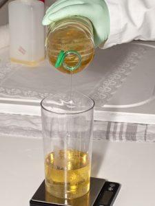 huile et liquide vaisselle